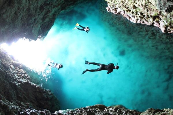 青の洞窟に到着